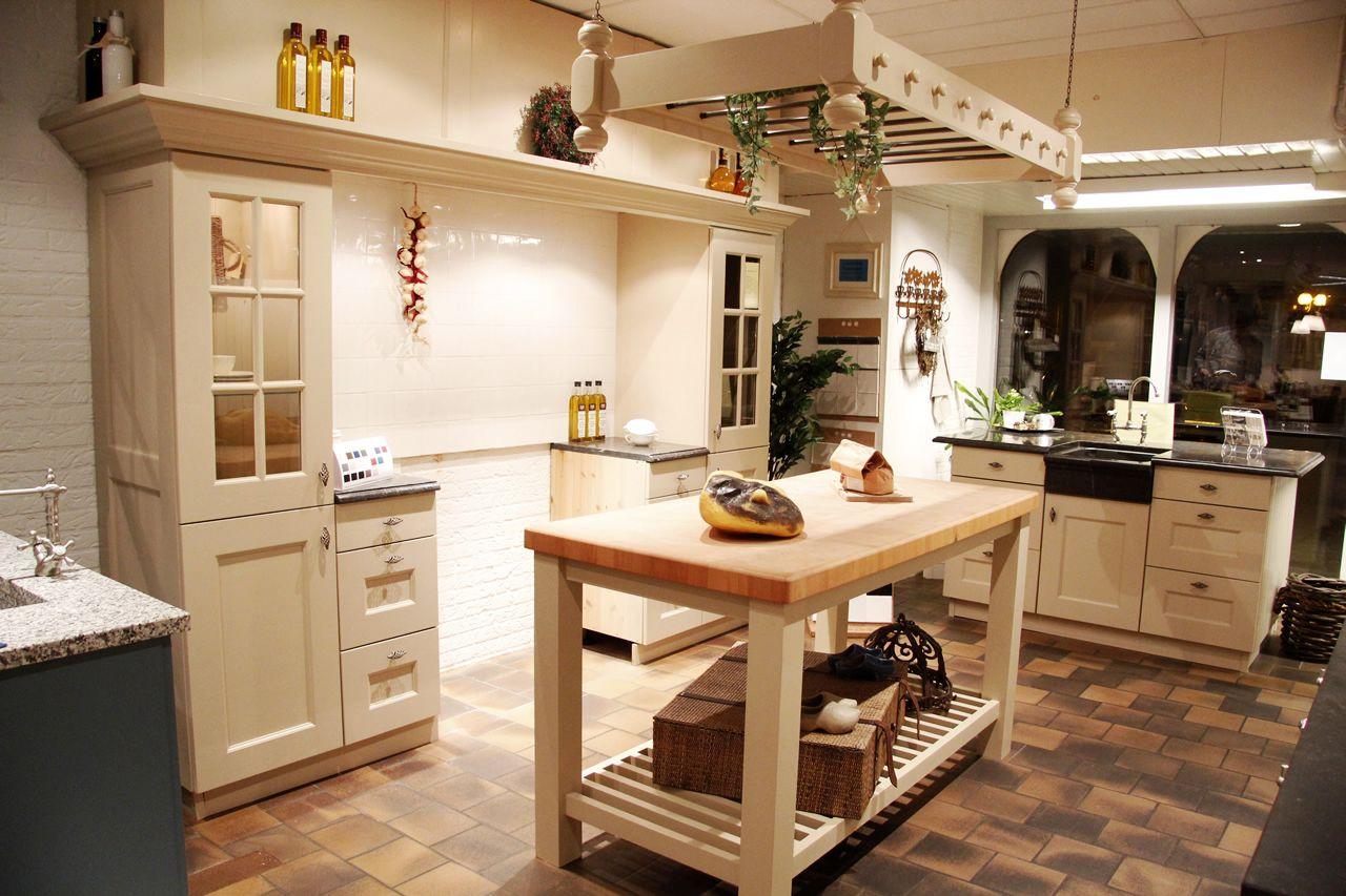 Grijze Keuken Landelijk : woonwinkel van Nederland! Grijze landelijke keuken [50117