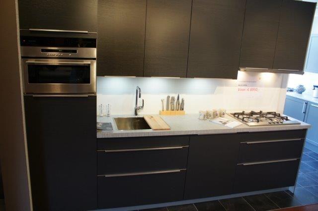 Keuken Grijs Met Hout : antraciet grijze hout keuken 53460 mooie rechte semi greep loze keuken